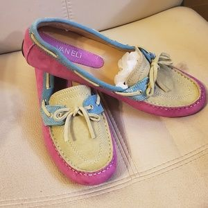 New without tags Vaneli  flats, leather, 9,5M
